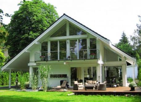 Modernes Fachwerkhaus in Kleinmachnow - CONCENTUS Holzskelett-Haus GmbH