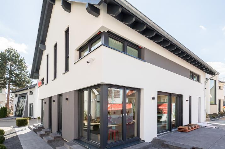 Musterhaus fellbach okal haus gmbh for Haus muster