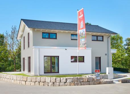 bis 350.000 € Musterhaus Mannheim - Thermische Gebäudehülle trifft Eisspeicher