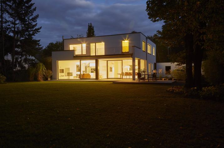 Roreger - Designhaus - 101 - Aussenansicht Dämmerung