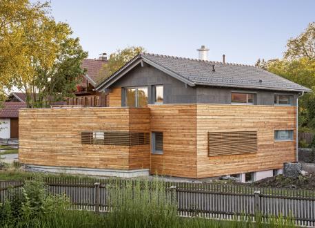 Holzhaus Waakirchen - Architektenhaus: Bodenständig und modern