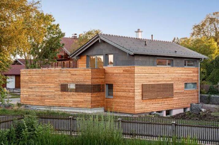 Waakirchen architektenhaus bodenst ndig und modern for Architektenhaus modern