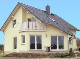 ...individuell geplant ! - Architektonisches Meisterstück mit wintergartenähnlichem Wohnzimmer - www.jk-traumhaus.de