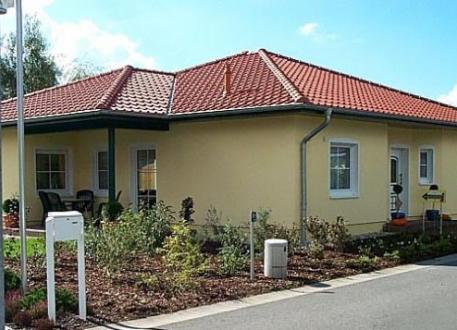 ...individuell geplant ! - Bungalow, hübsches Haus mit kleinem Knick - www.jk-traumhaus.de