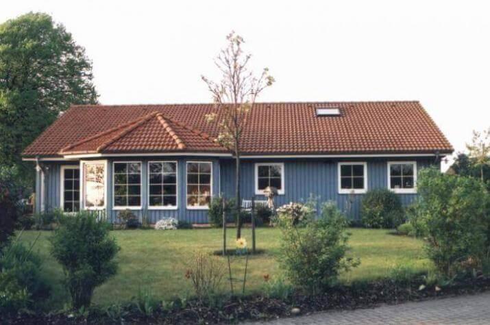 individuell geplant bungalow im nordischen stil. Black Bedroom Furniture Sets. Home Design Ideas