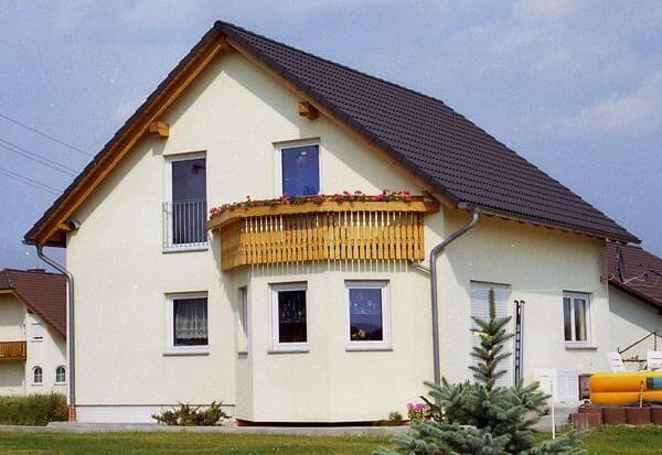 individuell geplant einfamilienhaus mit erker und balkon jk. Black Bedroom Furniture Sets. Home Design Ideas