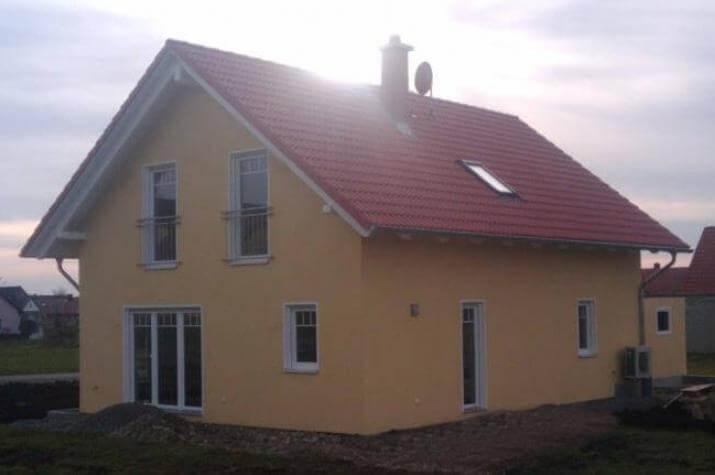 Individuell geplant einfamilienhaus mit for Raumaufteilung einfamilienhaus