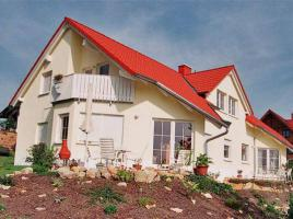 ...individuell geplant ! - Großzügiges und repräsentatives Doppelhaus mit auffälligen Details - 2 x 164 m² - www.jk-traumhaus.de