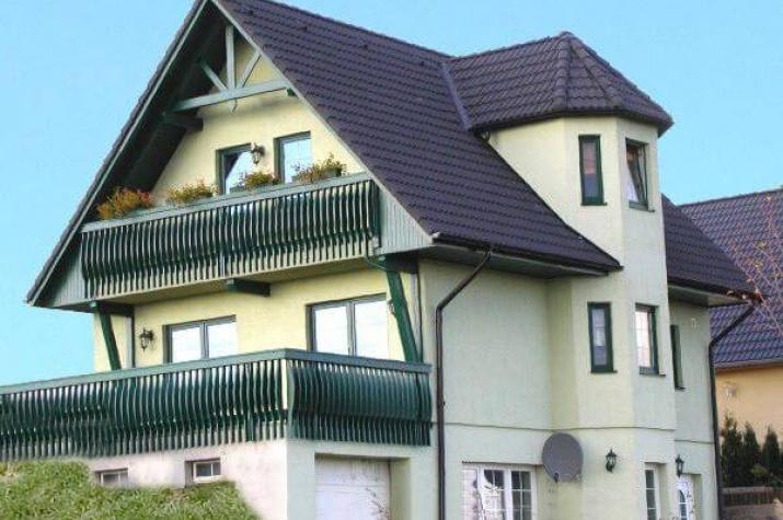 ...individuell geplant ! - Landhaus für Hanglage mit Keller und Garage - www.jk-traumhaus.de - vorschau