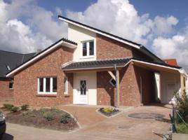 ...individuell geplant ! - Modernes Pultdachhaus mit Putz-Klinker-Fassade - www.jk-traumhaus.de