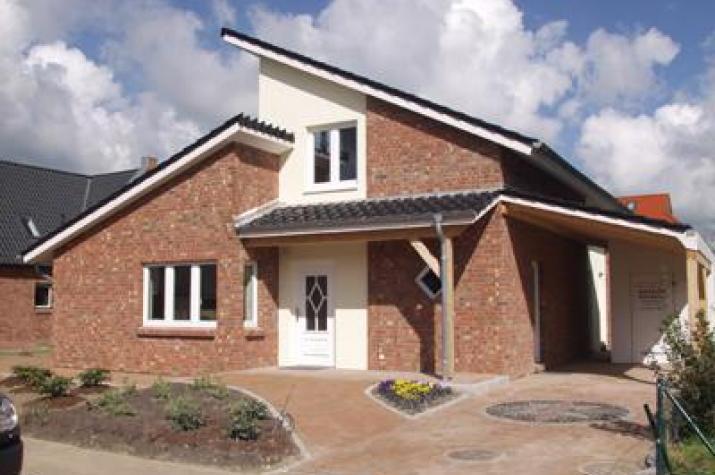 individuell geplant modernes pultdachhaus mit. Black Bedroom Furniture Sets. Home Design Ideas