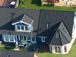 ...individuell geplant ! - Nordisches Doppelhaus mit Runderkern - www.jk-traumhaus.de