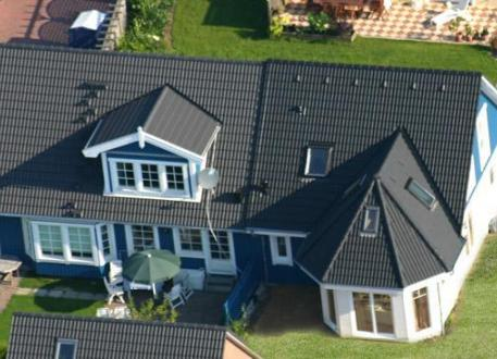 Zweifamilienhaus ...individuell geplant ! - Nordisches Doppelhaus mit Runderkern - www.jk-traumhaus.de