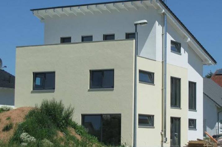 Individuell geplant pultdach doppelhaus mit for Modernes haus dachterrasse