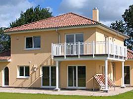 ...individuell geplant ! - Stadtvilla im Toscana-Stil mit integriertem Carport - www.jk-traumhaus.de