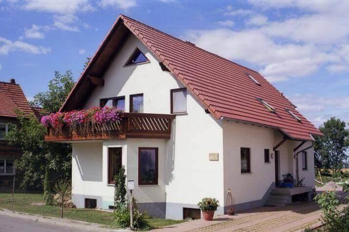 ...individuell geplant ! - Zweifamilienhaus, darf es ein Zimmer mehr sein. Viel Platz für  zwei Familien - www.jk-traumhaus.de - Vorschau